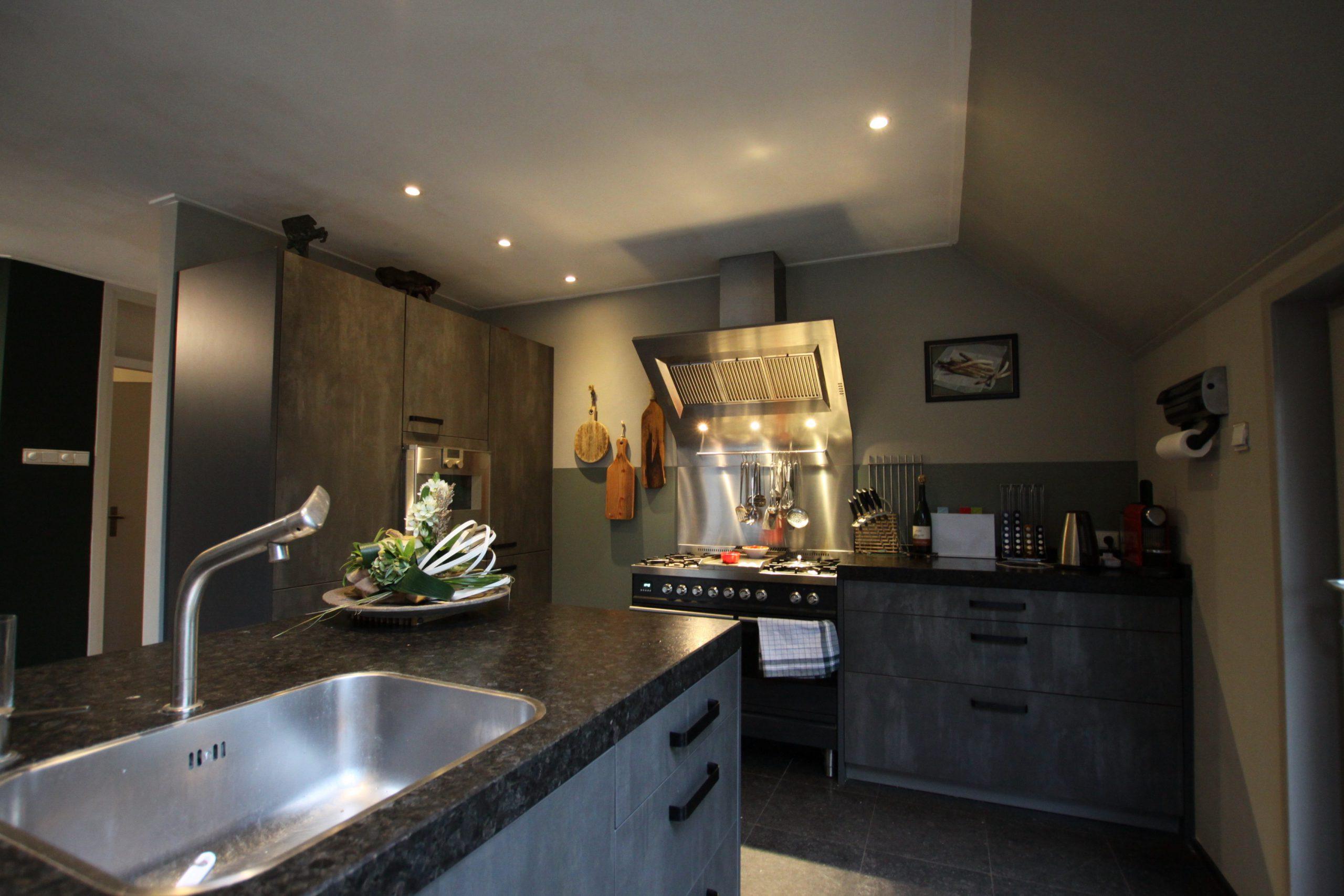 Restyling van woonkamer en keuken in Donderen